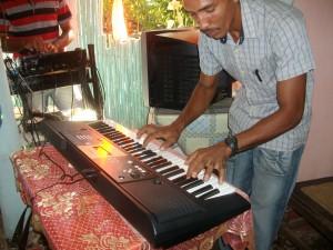 Feestelijke ingebruikname van een keyboard