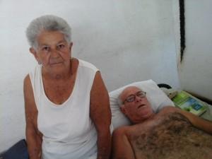 Sefarin met zijn 90 jarige moeder