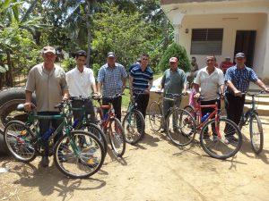 Aantal voorgangers met hun fietsen