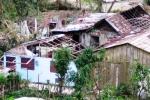 Huizen met kapotte daken